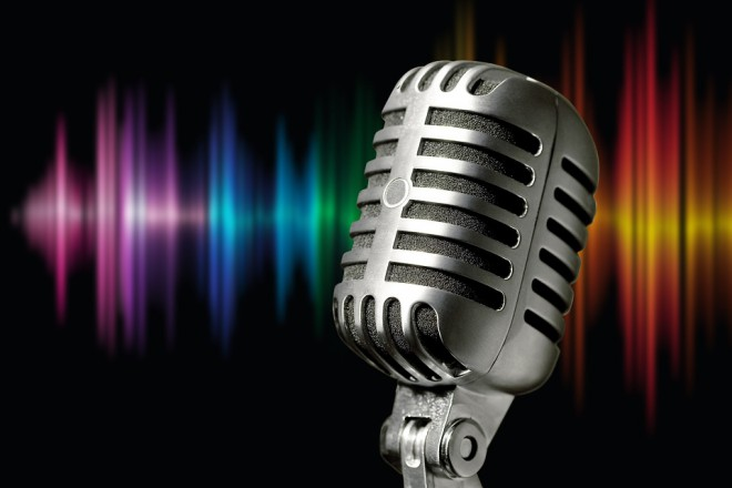 microphone-1074362_960_720